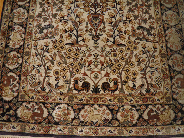 Very finely knotted 100% silk Hereke carpet – 1,200,000 knots/m2 – collector's item