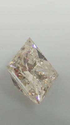 1.08 ct - Princess - White - F / SI2