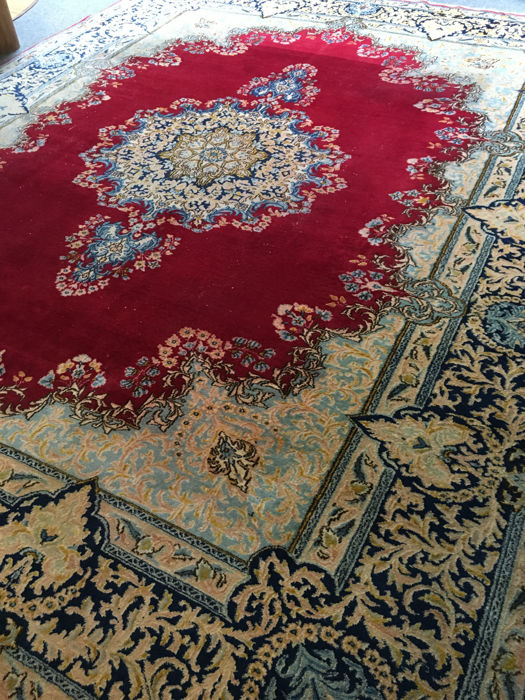 Wonderful, hand-knotted, original Persian XL Kerman with plant-based colours! Approx. 295 x 385 - in good condition - Persia - free shipping to Europe!