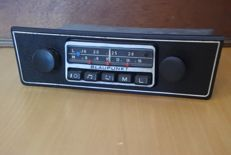 Blaupunkt Hildesheim - classic car radio 1971 with Opel front