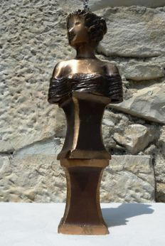 """Unknown Artist - Bust and base in Bronze """"Contemporary school"""" (23 cm / 1.5 kg)"""