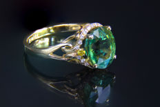 7.71 ct. Tourmaline, Sapphire And Brilliant Gold Ring. Ring size: 18.5 mm.(8.5 USA). * Free shipping * Free Resizing *