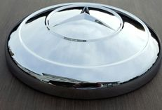 Mercedes-Benz W186 chromed hub cap
