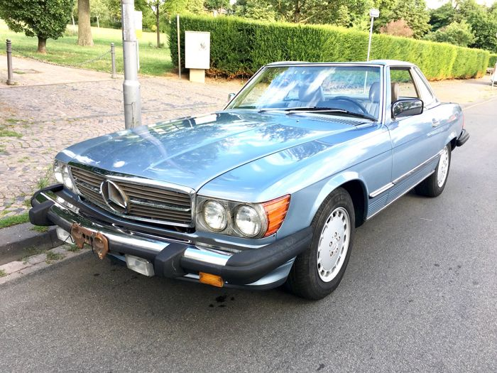 Mercedes-Benz 560 SL - Convertible - Year of Construction 1986