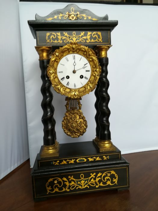 Table pendulum clock - French, 1870