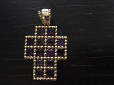 18 kt Yellow gold cross with square amethysts