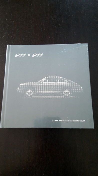 Very rare book - Porsche Museum - in original packaging