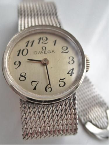 Omega KIF Ultraflex – women's wristwatch – 1969