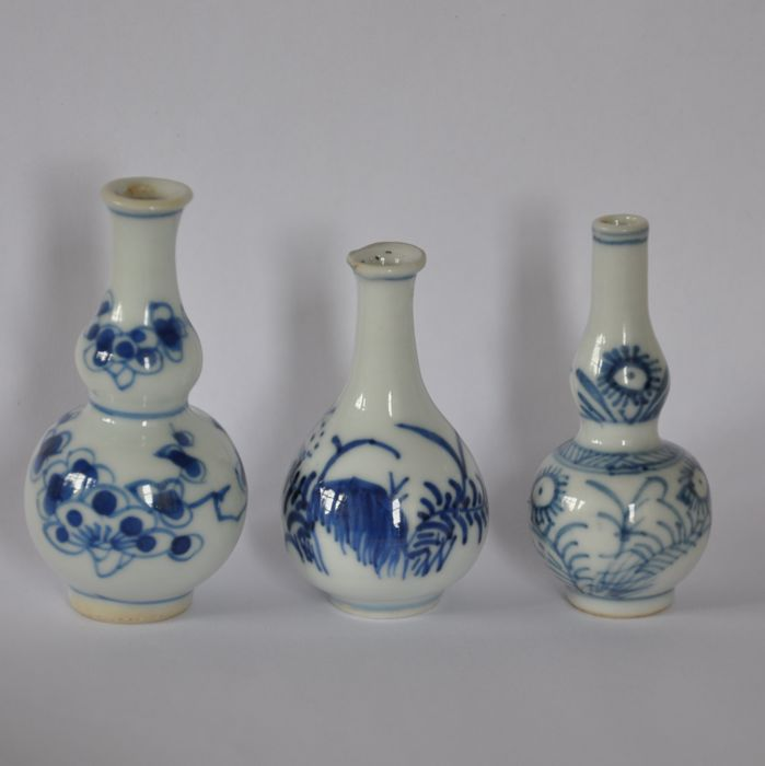 Three miniature vases - China - 18th century
