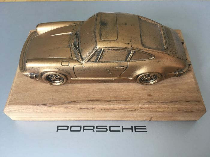 Porsche sculpture 911 Carrera bronyed approximately 20cm 1/24