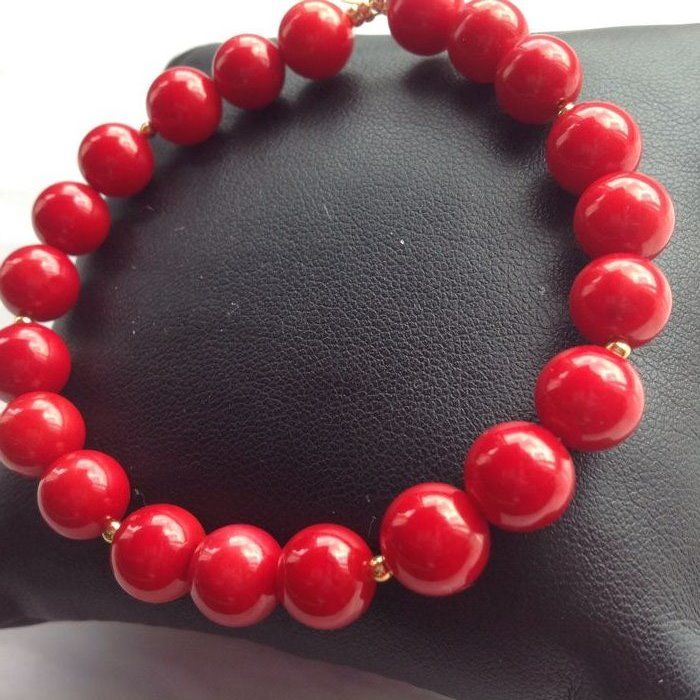 Bracelet in red coral 18 g, length 21 cm with 18kt yellow gold clasp