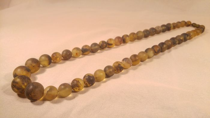 100% Green tint colour Baltic Amber necklace, length 66 cm, 68 grams