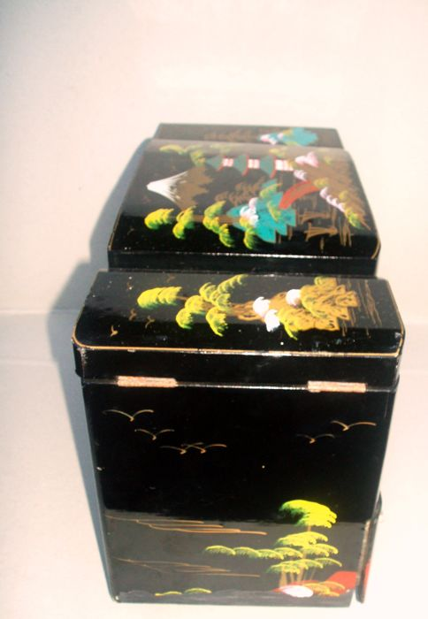 Woodenware Honest Vintage Hand Painted Black Laquer Box Signed
