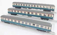 Ade H0 - Three very detailed passenger carriages of the DB