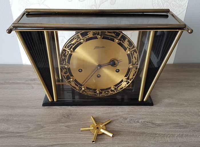 Clock/ mantle clock with two tunes, signed FRANZ HERMLE, Germany, ca 1950/60.