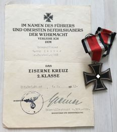 WW II: Iron Cross 1939 2nd class with bestowal certificate