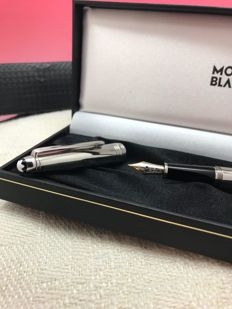 Montblanc Meisterstück Classique Solitaire Fountain Pen Stainless Steel