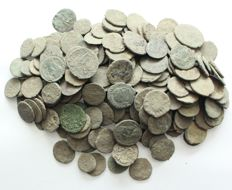 Roman Empire - Lot of 207 pieces AE coins, 3th - 4th century AD