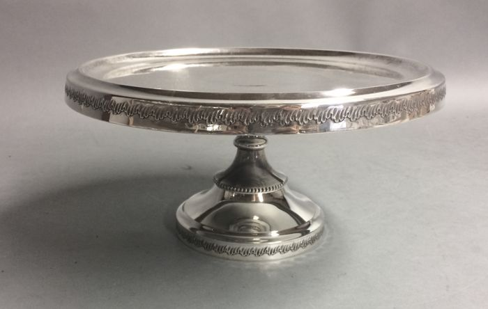 Silver plated cake serving tray on base, England, ca. 1930