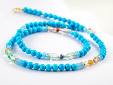 Persian Blue Turquoise necklace with precious stones: Emerald, Ruby, Sapphires, 18 kt gold clasp, 44.5 cm long - *No Reserve*