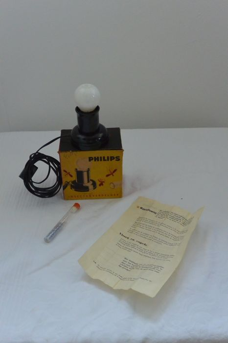 Bakelite Philips insect killer lamp with vapour tablets