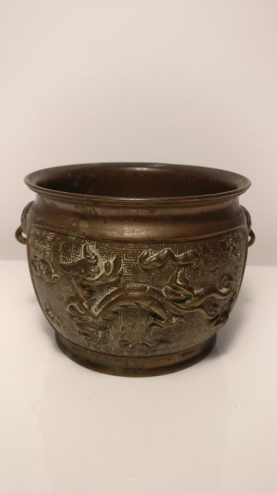 Bronze vase - China - second half of 20th century