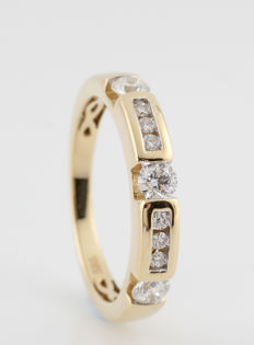 14kt geelgoud diamanten ring 0.50ct / 9 ronde briljanten / G-H-VS1-VS2 / 3.50gr & 57 ringmaat. Nieuw
