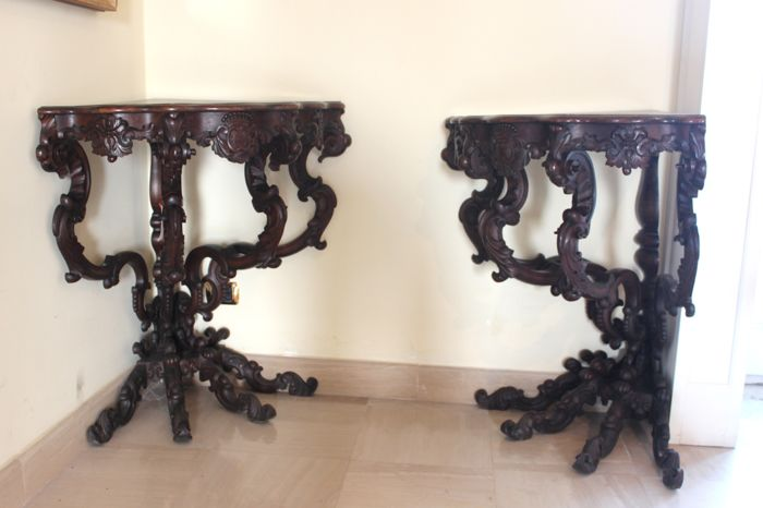 A pair of corner console tables in walnut wood - Louis Philippe style - Italy - second half of the 19th century