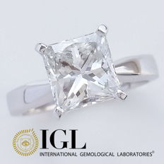 IGL 2.27 ct F/VS2 Princess Cut Diamond Engagement Solitaire Ring - Free Resize