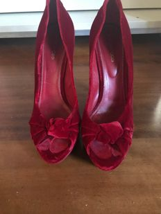 Sergio Rossi high-heel red velvet shoes