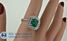 2.82 ct natural Colombian emerald and diamond ring in 14 kt white gold - Ring size: 8.5
