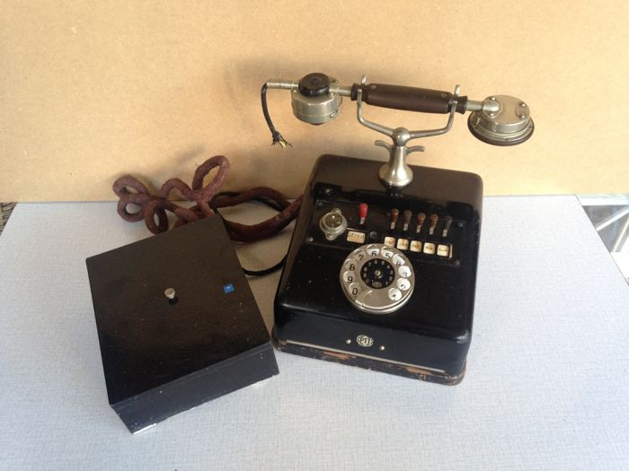 Black metal (Bakelite) extension switch telephone - PTT the Netherlands