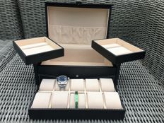 Carbon look watch storage box for 10 watches and other items of jewellery.