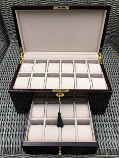 Premium watch storage case with piano lacquer, for 20 watches