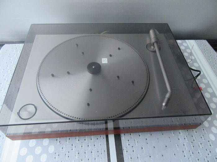 Bang & Olufsen turntable 1203, serviced by B&O technician with over 40 years of B&O experience