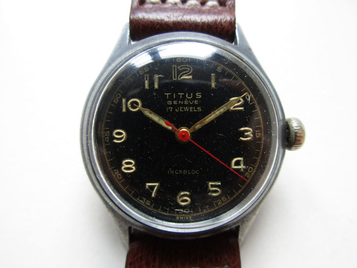 Titus Swiss – military style black dial – men's wristwatch – 1940s
