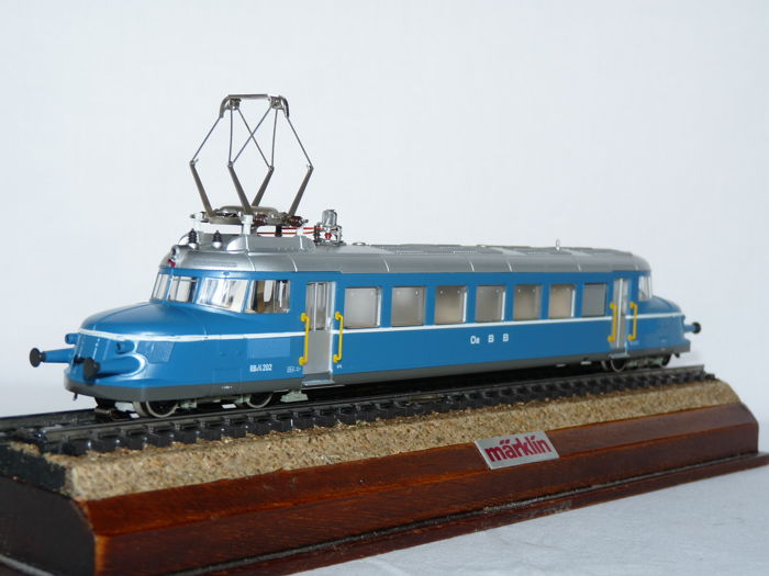 Märklin H0 - 3127 - Electric train RBe 2/4 series 'blue arrow' of the OeBB