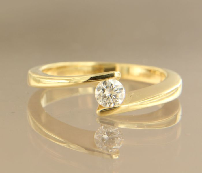 18 kt yellow gold ring set with 0.25 ct brilliant cut diamond, ring size 17.25 (54)
