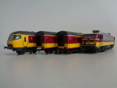 Lima H0 - Benelux train set in the yellow and red livery of the NMBS and NS carriages