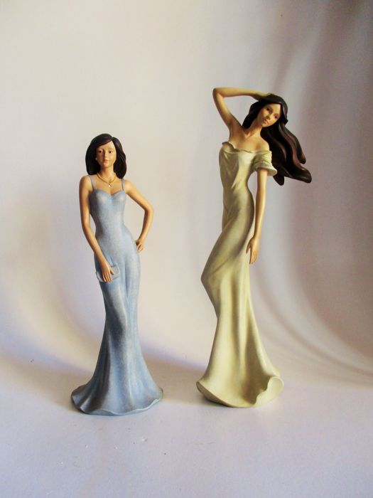 2 Very elegant collectable figurines  - Leonardo Collection