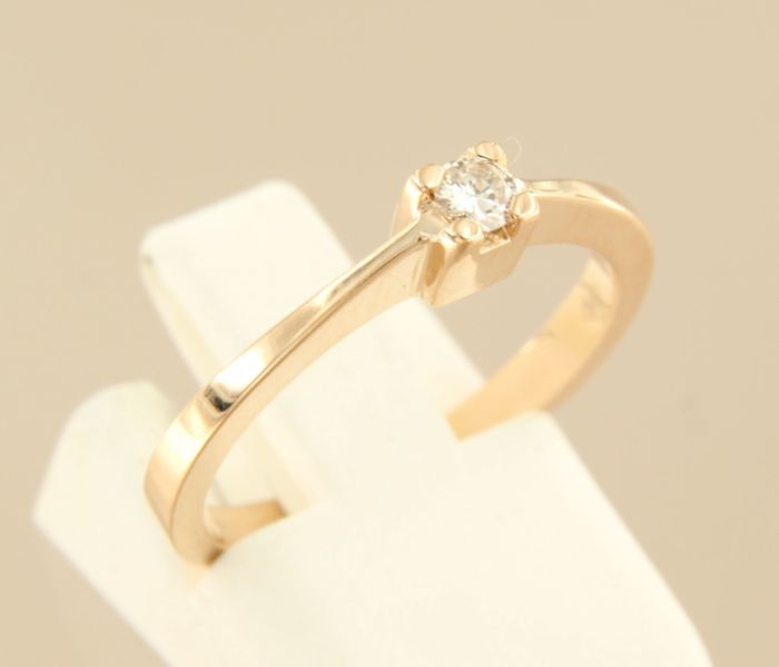 14 kt rose gold solitaire ring with brilliant cut diamond of approx. 0.10 ct in total – 53 (EU)