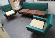 Manufacturer unknown – vintage sofa with two swivel armchairs