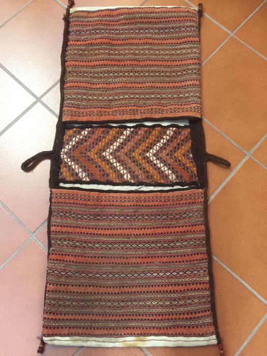 Saddlebag – Khordjin Turkoman, 'Sumakh' type weft weave, connecting strip with 'jijim' work, second half of 20th century, vegetal colours, size 107 x 45 cm