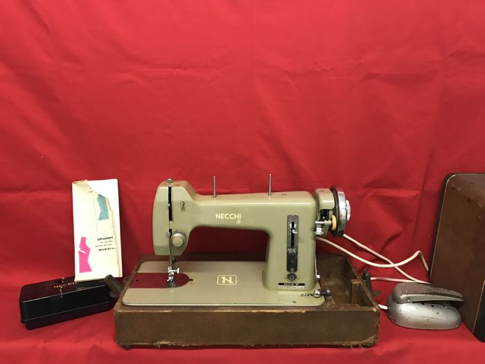 Necchi BF Mira Series 40 Wooden Transport Case And With Many Awesome Necchi Bf Mira Sewing Machine