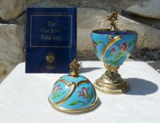 House of Fabergé - Collector egg  'Our Love' - Music box - Porcelain - Certificate of authenticity