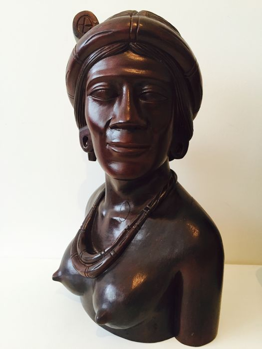 Bust of a woman.