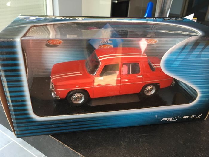 Solido - Scale 1/18 - Renault 8 Gordini 1969 Red & Renault 8 Gordini Rally of Morocco 1968 - Blue