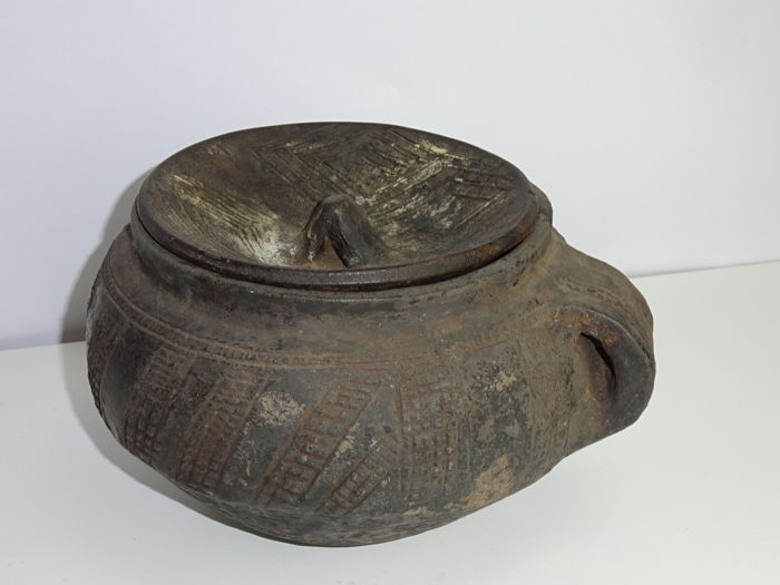 Jar with lid - BAKONGO or KUBA (?)-DR Congo