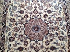 Original & Dreamily Beautiful Persian Iran Isfahan 180x 93 cm finely handknotted 600000 knots M/2