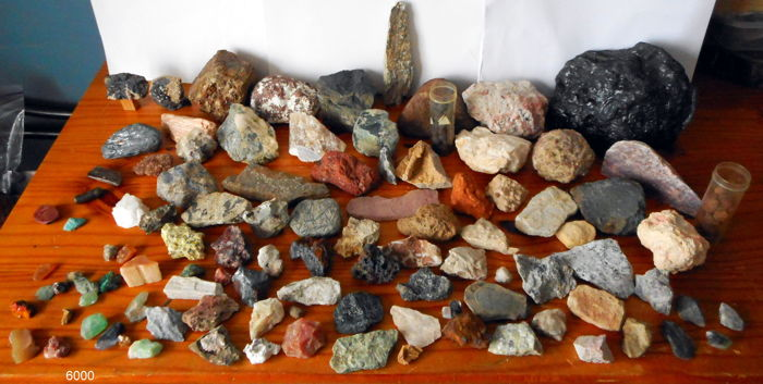 Large collection of minerals - 4 to 215 mm - 13.2 kg (163)
